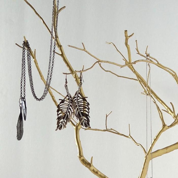 stalak za nakit