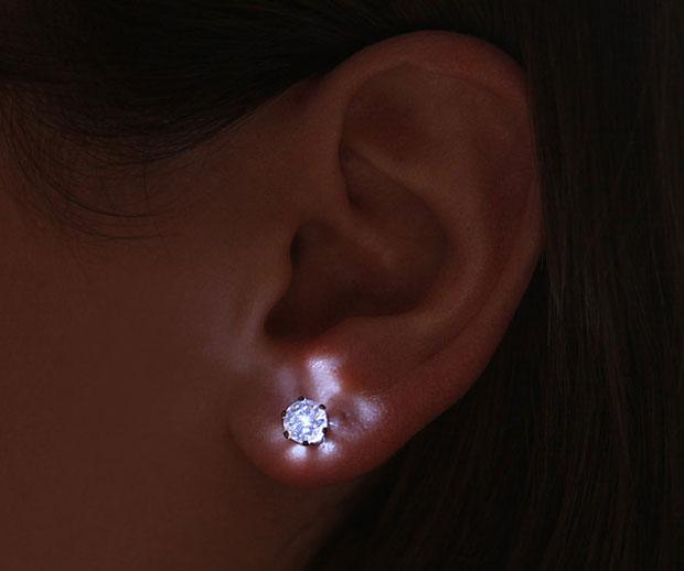 LED_Crystal_Earrings_CubeMe1.jpg