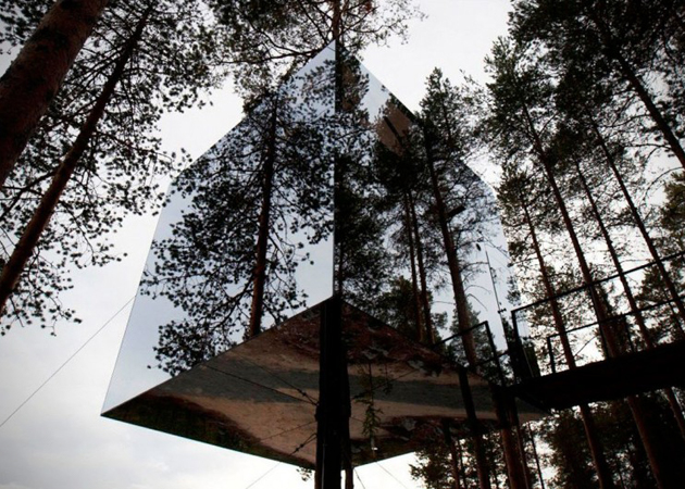 Mirrorcube-Tree-Hotel-in-Sweden-2